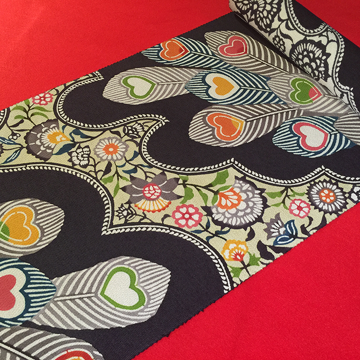 京紅型染め帯 85,000円(税別)